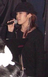 aiko-singing2
