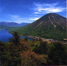 lake-chuzenji-and-nantaiyama-san